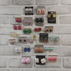 22 pairs of colorful earrings lot